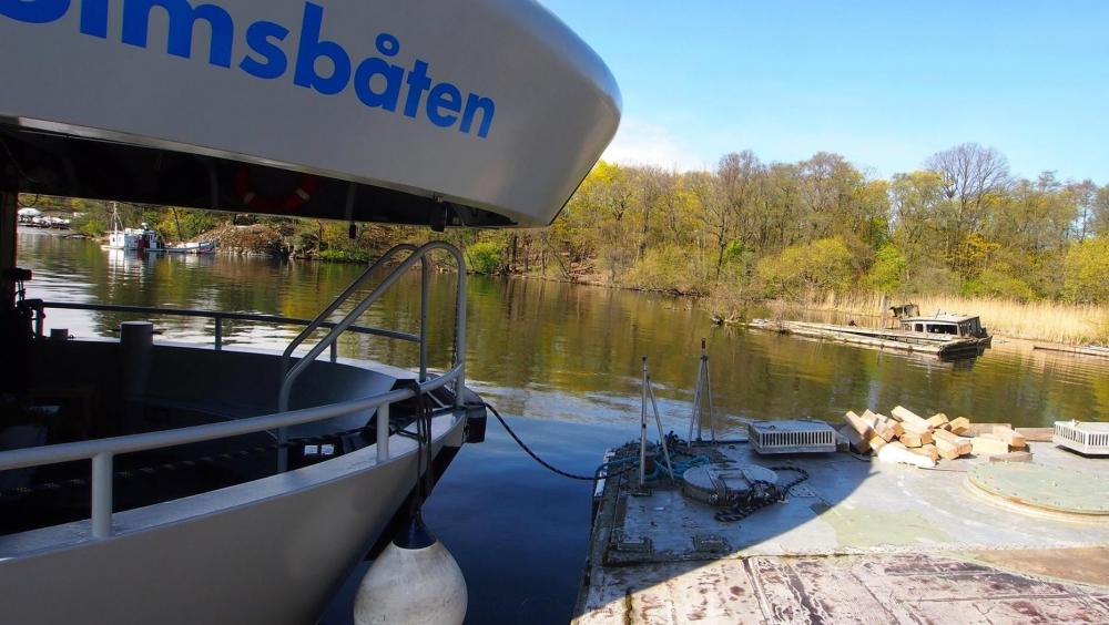 Qrooz, Stockholmsbåten – Qrooz
