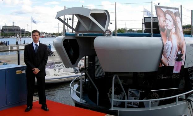 Välkommen till Qrooz |Hyr charterbåt i Stockholm